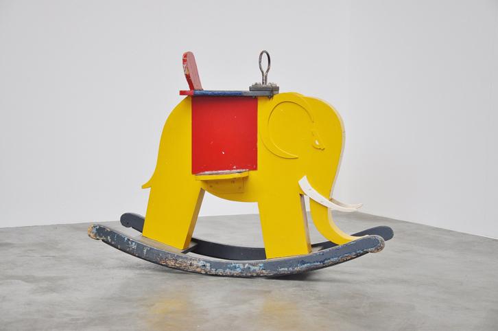 mid-mod-juguetes-vintage-elefante-balancin
