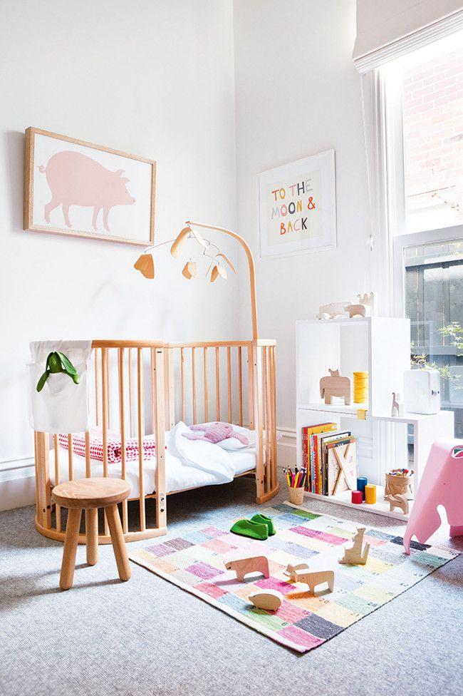 cuarto-bebe-blanco-madera