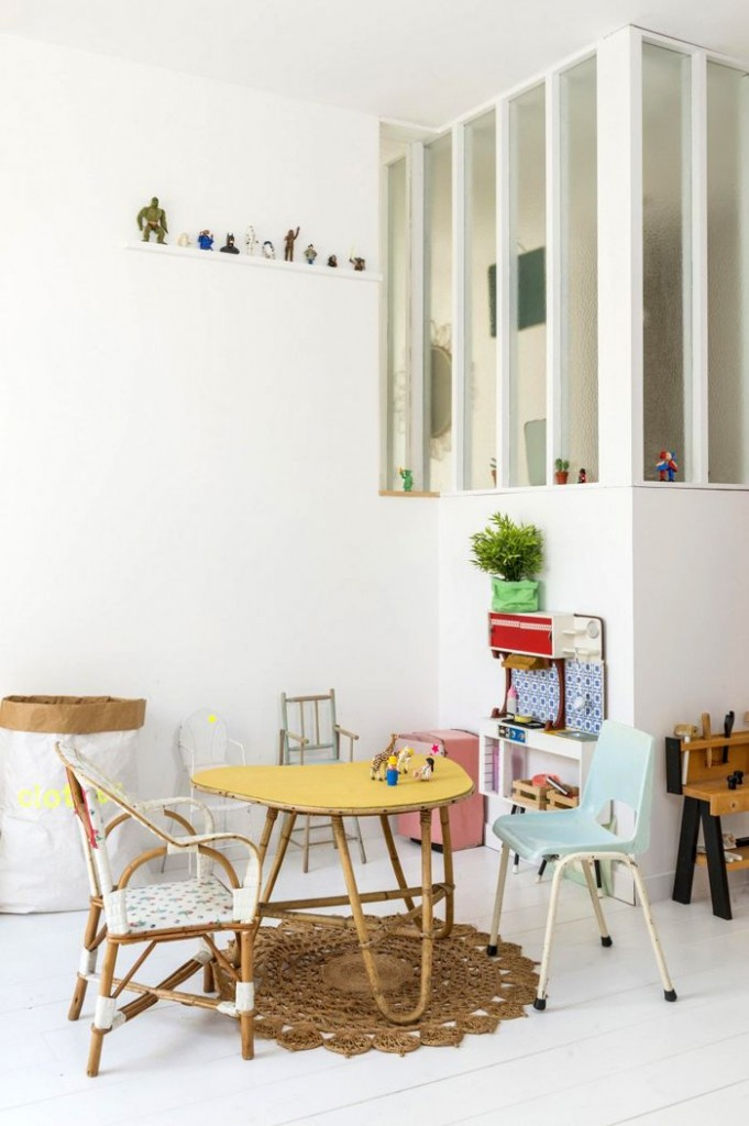mesas-sillas-niños-vintage