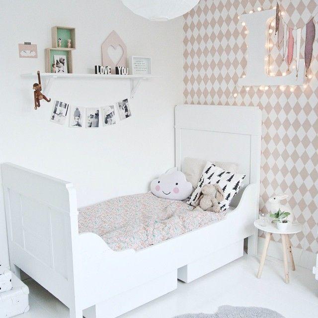 Antes y despu s papel pintado en la habitaci n infantil decopeques - El mueble habitaciones infantiles ...