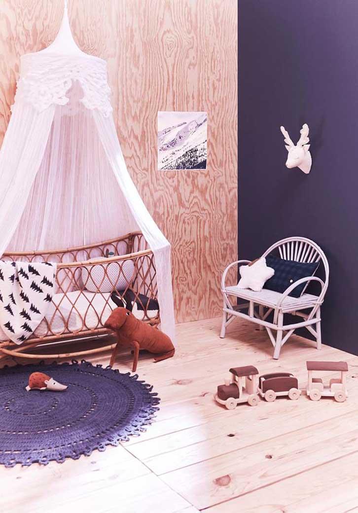 habitacion-infantil-madera-cuna-mimbre