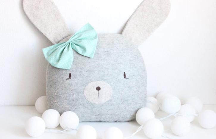 peluches-bonitos-cojin-conejo