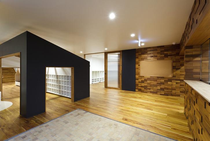 guarderia-de-diseño-japon-espacios-abiertos