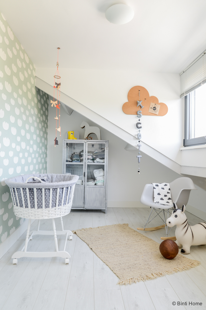 Dulce dormitorio de beb en azul y gris decopeques - Habitaciones infantiles azules ...