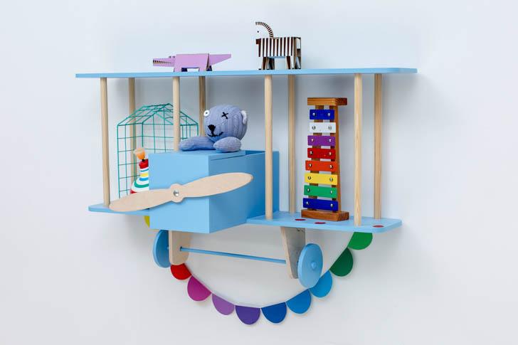 estantería-avion-azul--de-madera