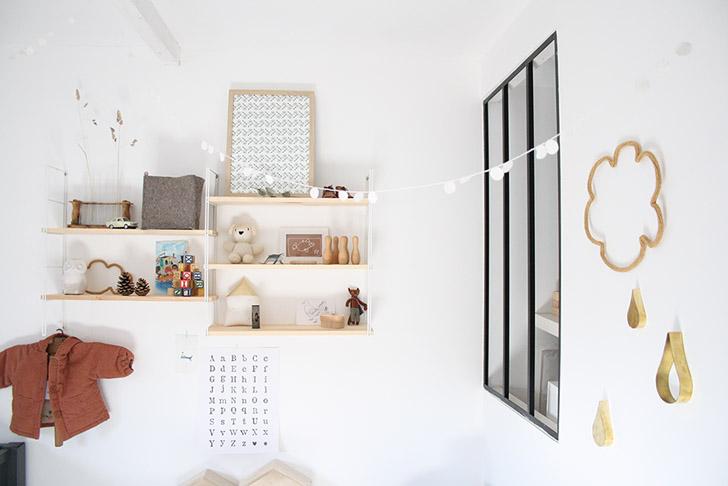 habitacion-de-bebe-vintage-estanteria-string