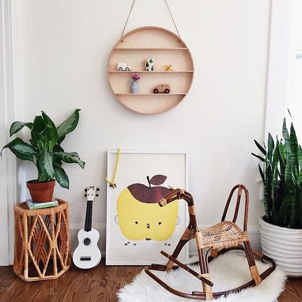 habitacion-bebe-balancin-madera-rafia
