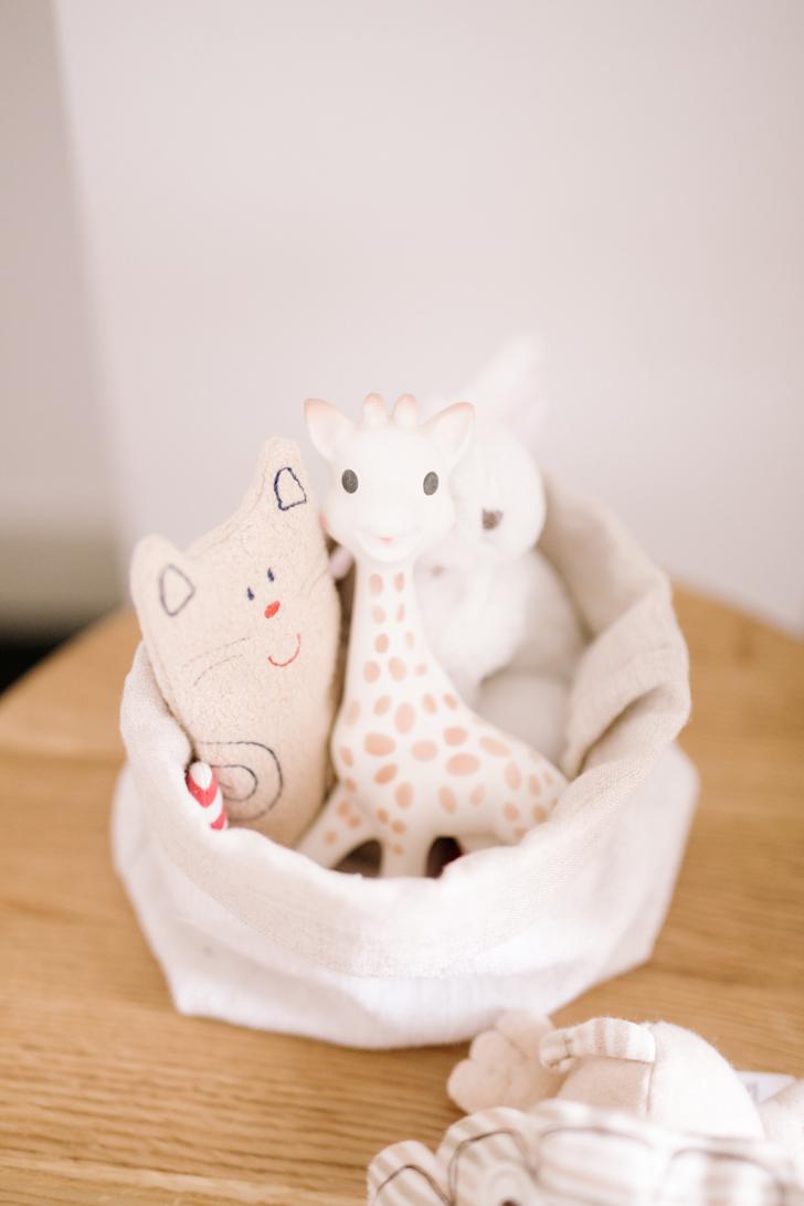 habitacion-bebe-gemelos-juguetes