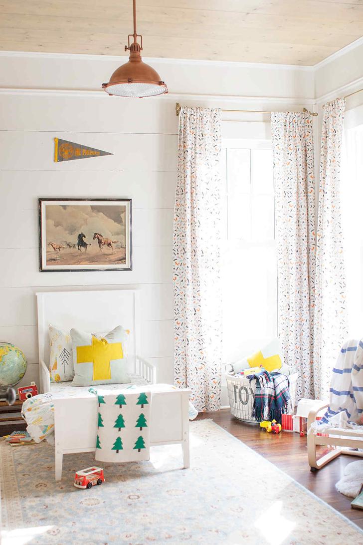 Dormitorio infantil con toques rústicos