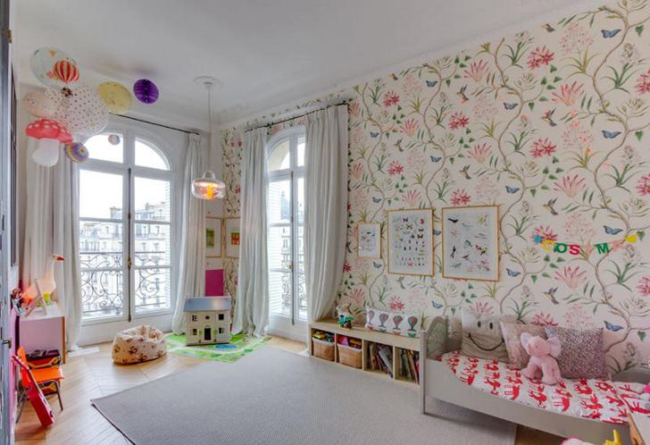habitacion-infantil-eclectica-papel-pintado-flores