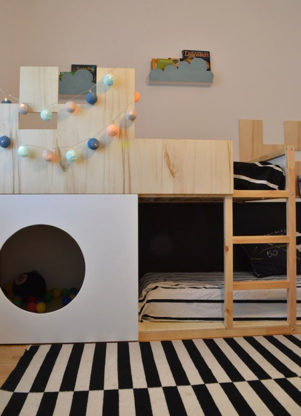 ikea hack la cama kura se convierte en castillo decopeques. Black Bedroom Furniture Sets. Home Design Ideas