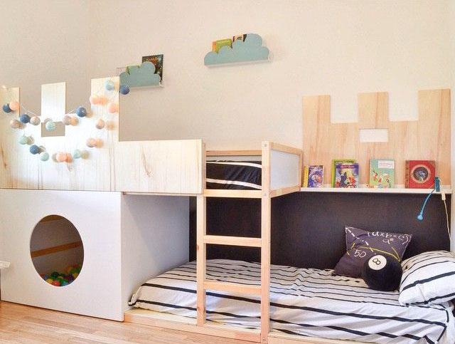 Ikea hack la cama kura se convierte en castillo decopeques for Cama nino ikea