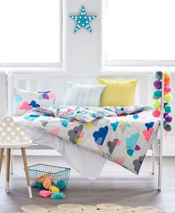 cuna-lineas-sencillas-textiles-coloridos