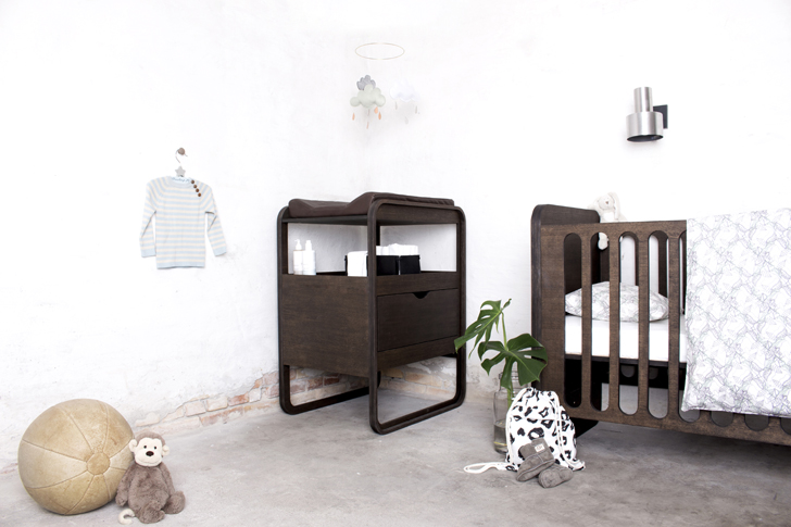 muebles-de-bebe-ollies-out-tono-oscuro