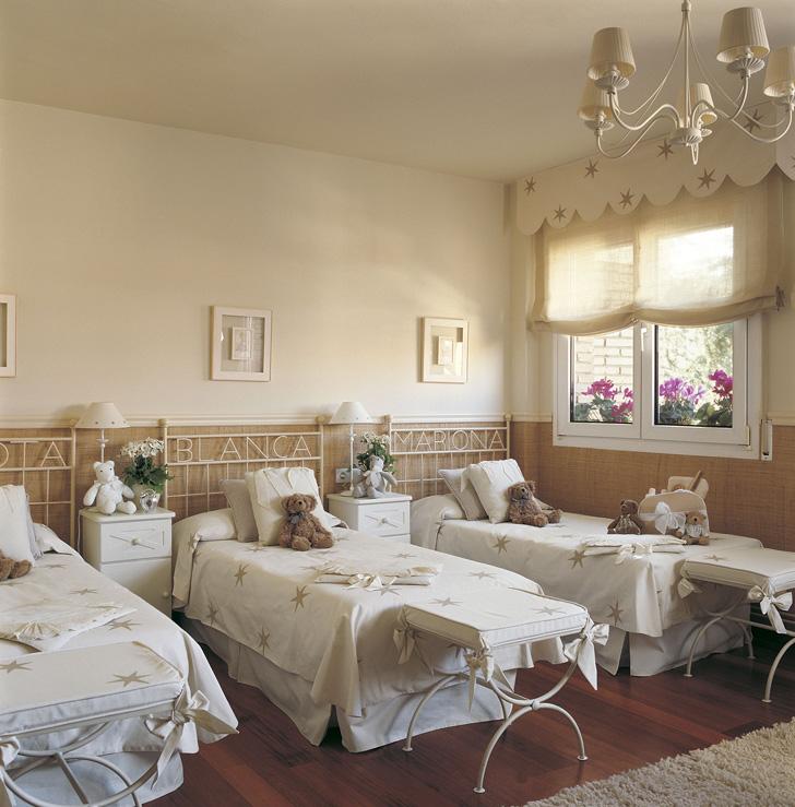 habitacion-compartida-hermanos-camas-de-forja