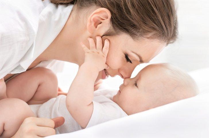 Lactancia materna y alimentación del bebé durante el primer año