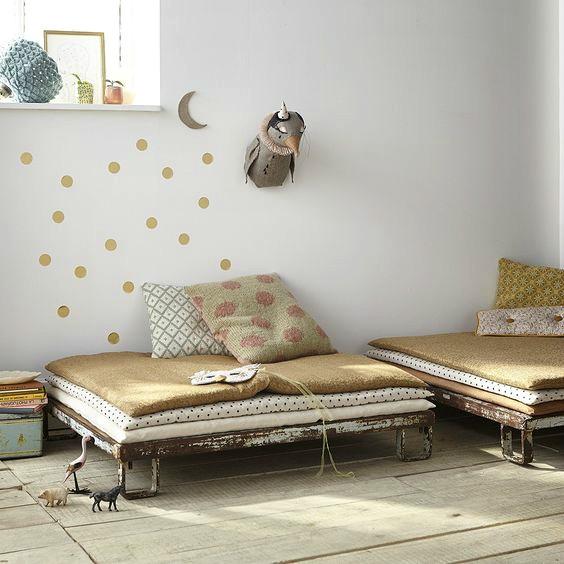 Vinilos para ni os divi rtete decorando las habitaciones - Vinilos lunares dorados ...