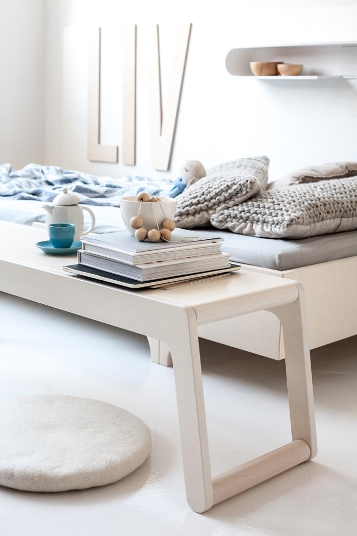 banco-de-madera-estilo-escandinavo