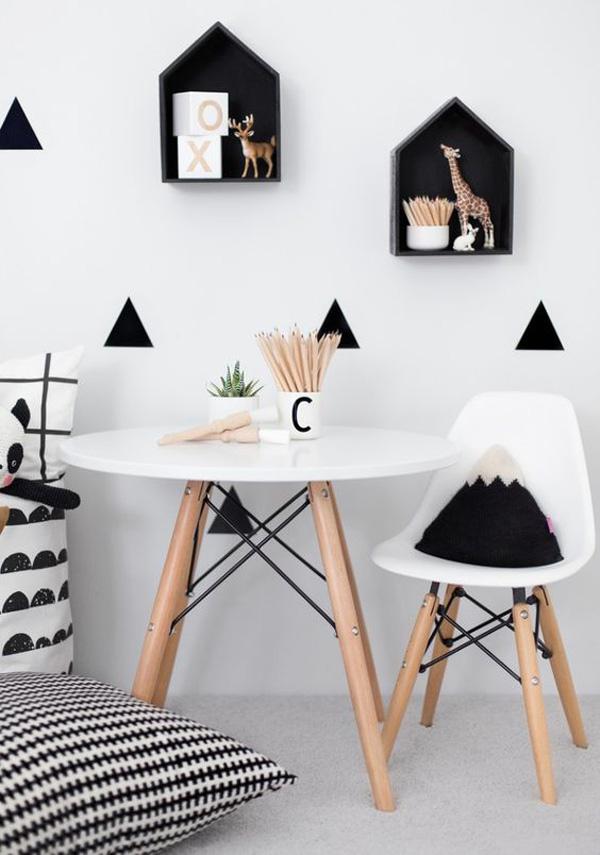 habitacion-infantil-blanco-y-negro-escritorio