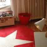 Cuarto infantil en rojo, original y divertido