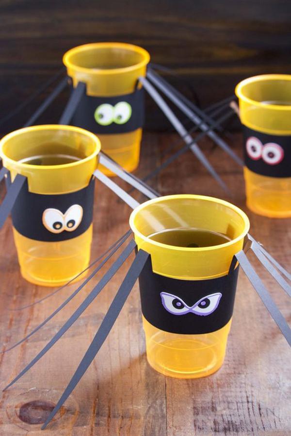 manualidades-de-halloween-con-vasos-de-plastico