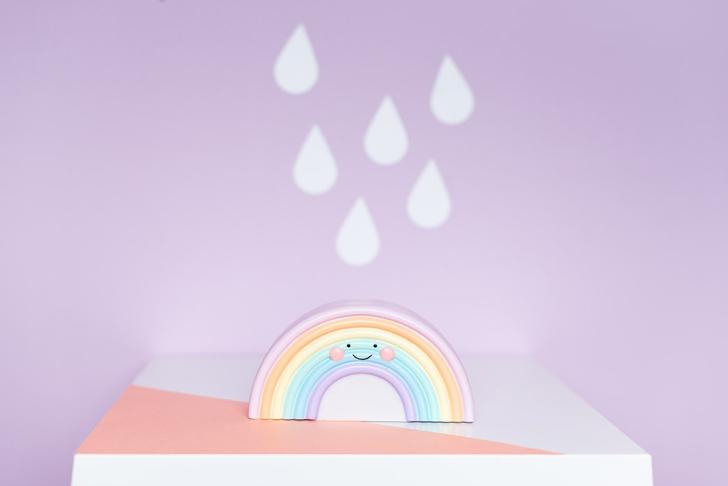 minimoi-luz-quitamiedos-arcoiris