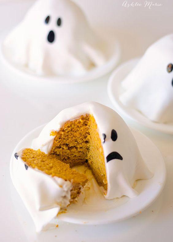 pastelitos-de-fantasmas-con-calabaza-halloween