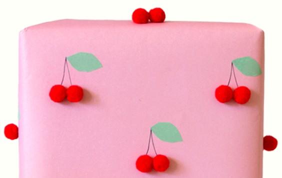 como-decorar-regalos-infantiles-con-frutitas-1