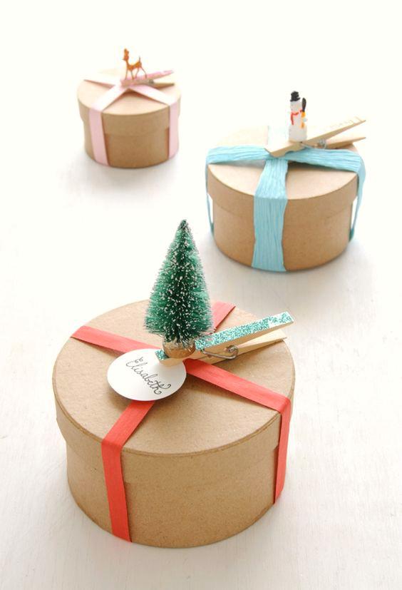 como-envolver-regalos-bonitos-para-ninos-y-bebes-en-navidad-4