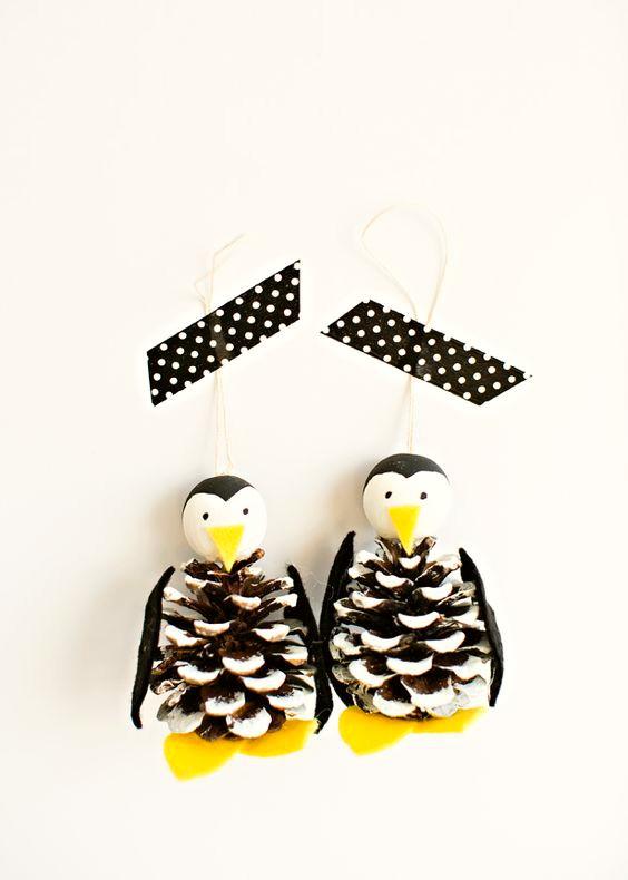 como-hacer-adornos-de-navidad-con-pinas-4