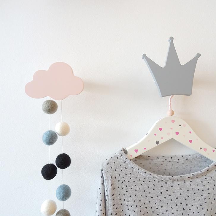colgador-de-pared-corona-gris-nube-rosa-nicolasito