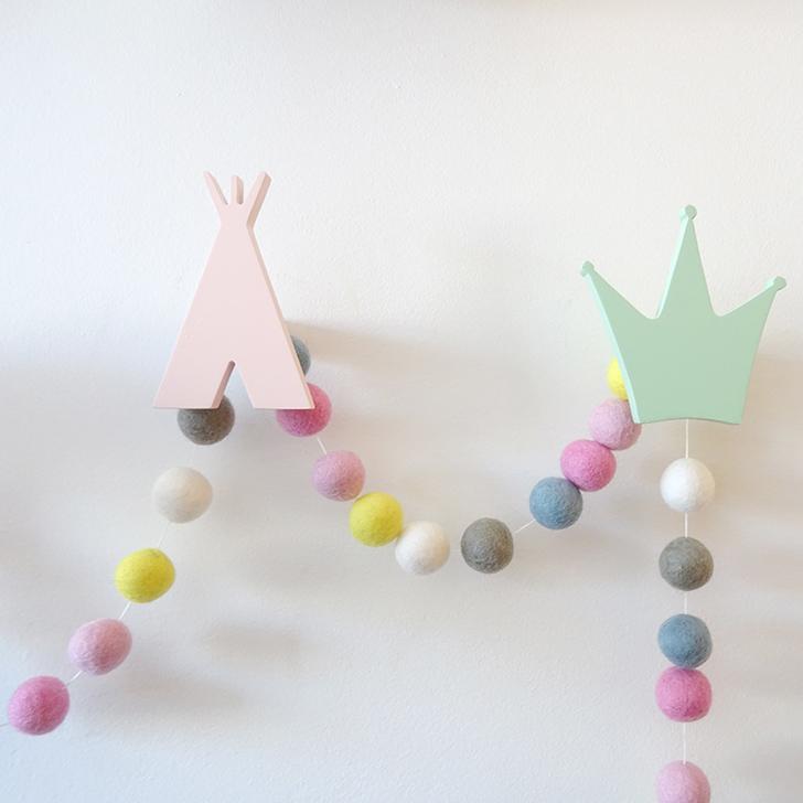 colgador-de-pared-tipi-rosa-colgador-corona-mint