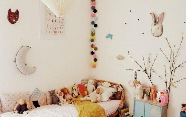 Habitación infantil ecléctica y divertida