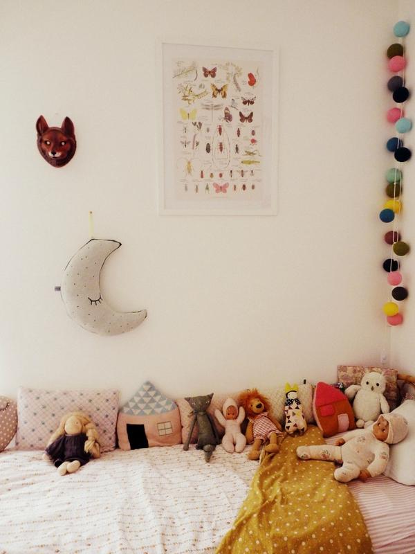 habitacion-infantil-eclectica-guirnaldas