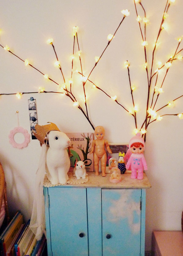 habitacion-infantil-eclectica-iluminacion