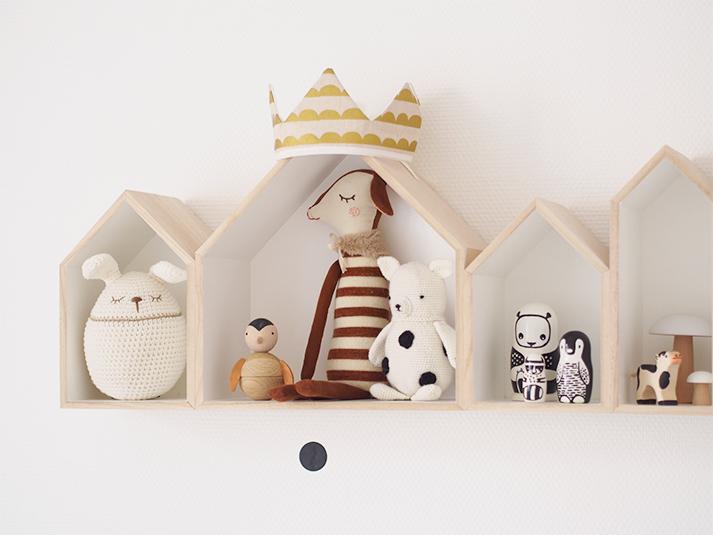 habitacion-infantil-estanteria-madera