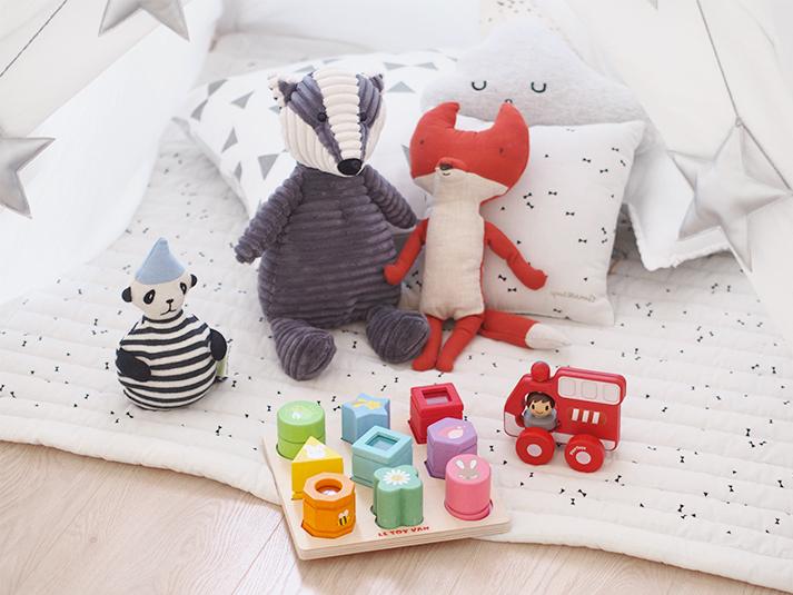 habitacion-infantil-muñecos-suaves