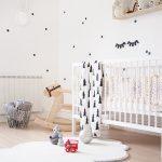 """Habitación de bebé de """"You may love it""""  llena de pequeños detalles"""
