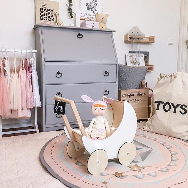 habitacion-infantil-nordica-juguetes-madera