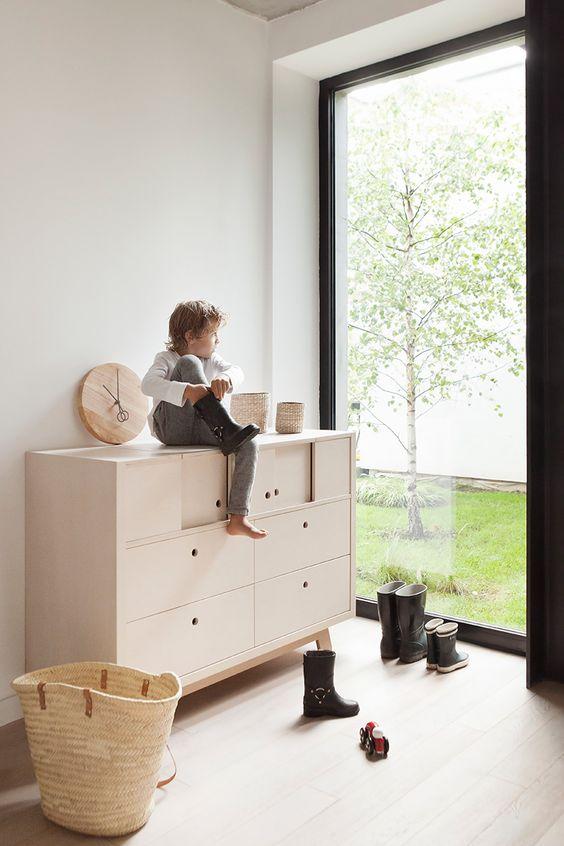 muebles infantiles anclados a la pared
