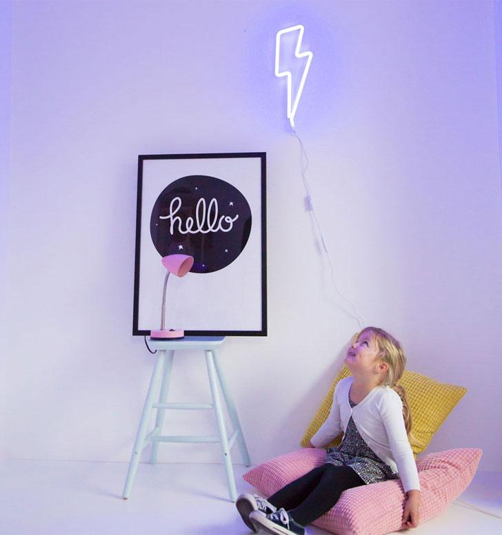 tutete-luces-neon-rayo