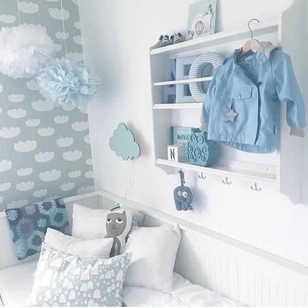Decora la habitaci n infantil con peque as estanter as de - Estanteria pared infantil ...