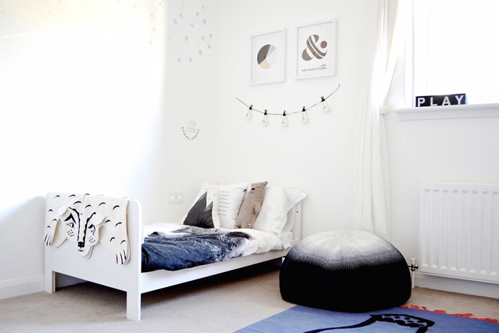Habitación infantil compartida con esencia nórdica