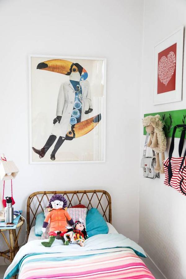 en han apostado por una cama ms sencilla con un cabecero de mimbre a juego con la mesita de noche un cuarto de nia en estilo vintage