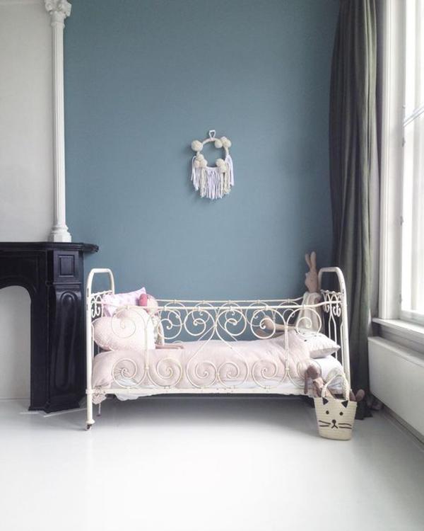 entre los estilos de camas para nias no pueden faltar las camas infantiles vintage esta cama en forja de instagram tiene un estilo muy romntico